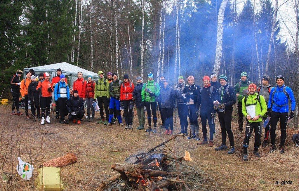 Ledus rogaininga dalībnieki mirkli pirms starta